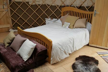 Large insulated yurt - Cawsand