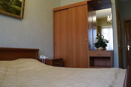 """Номер в гостинице """"Саяны"""" - Tula"""