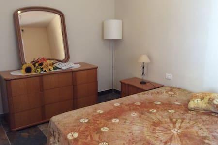 appartement rénové avec entrée et jardin privé - Sirolo