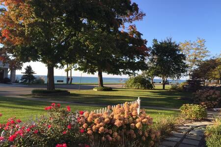 AMAZING Sunsets & Lake View-Updated,Spacious Ranch - เซาธ์ฮาเวน - บ้าน