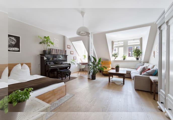 Central + Beautiful flat - Dresden - Apartamento