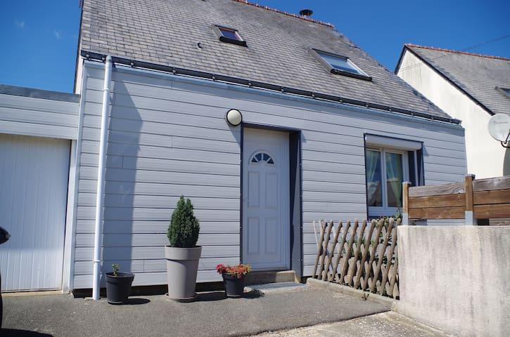maison à la gacilly avec jardin et terrasse