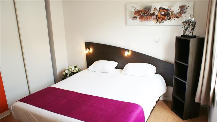 Beautiful studio (1 - 2 adults ) double bed 19 m²