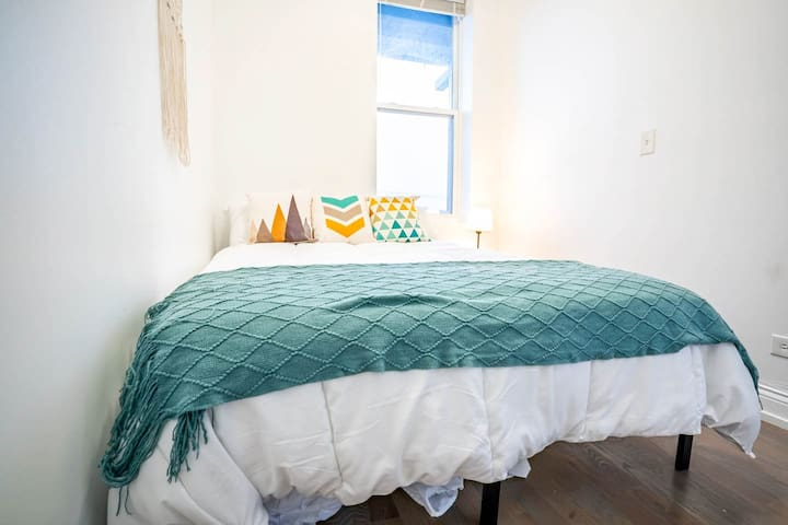 Renovated Penthouse Suite Filled w/ Natural Light!