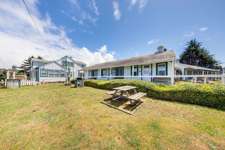 NEW LISTING! Quiet, dog-friendly motel studio - walk to the ocean/downtown!