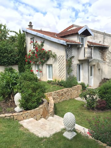 Lovely independant house in Meudon