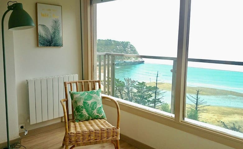 Apartment kurlutxu with incredible view on beach