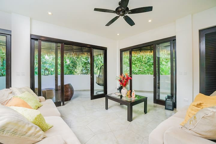 Welcoming, open-air suite with large patio and easy beach access