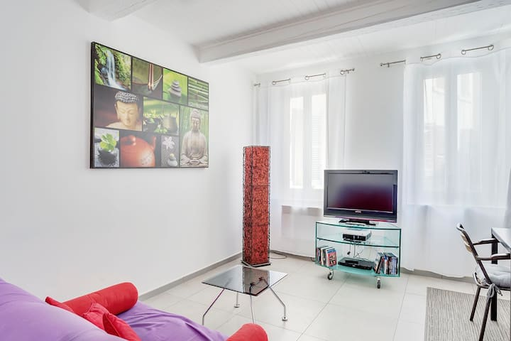 Marseille center 1 flat with 1 bed - Marselha - Apartamento
