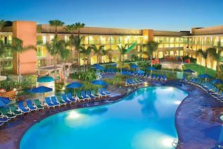 Luxurious 1-bedr'm suite, Hokulani Waikiki,HILTON - Honolulu