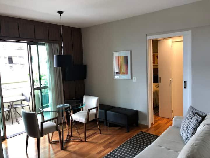 Apartamento/flat - 40m2 - Varanda com ótima vista.