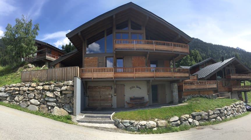 Valfréjus ~ luxe chalet ~ 12 pers.
