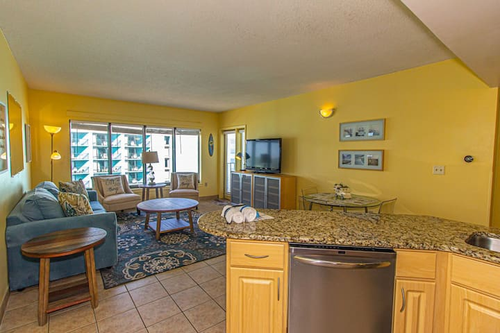 1 BR Apartment with Great Views~Palace 1112