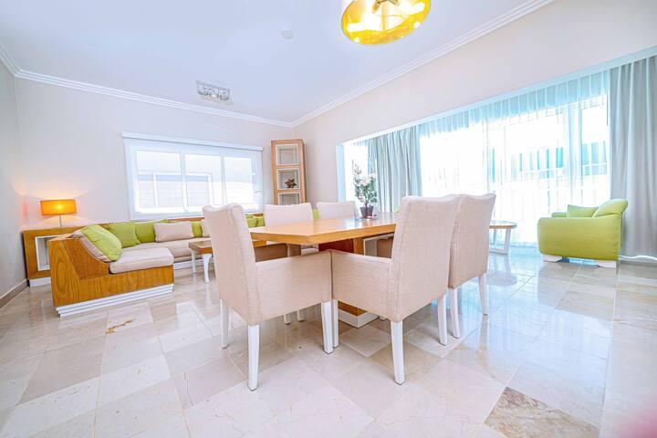 Presidential Suites Modern 2 BDRM Garden View