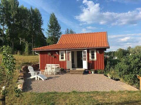 Charmig stuga mittemellan Ulricehamn och Jönköping