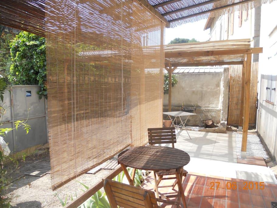 T2 sympa avec jardin et pergolas appartamenti in affitto - Navette aeroport marseille vieux port ...