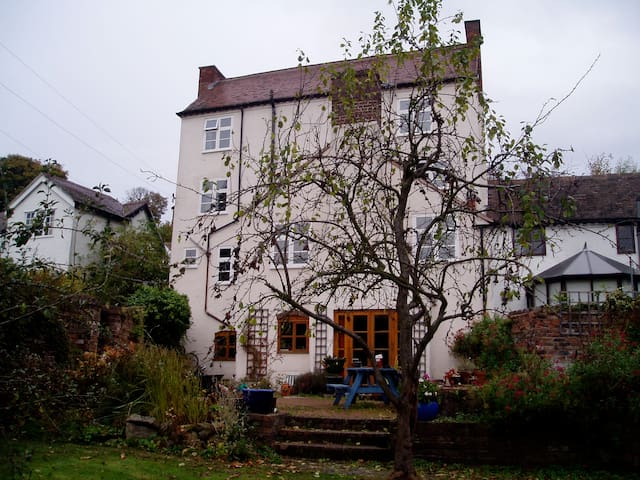 Georgian house in Ironbridge Gorge - Broseley Wood - Bed & Breakfast
