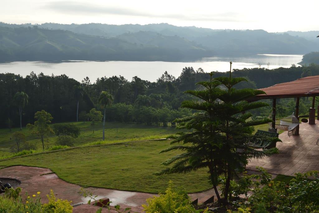 Villa de Lago Caribbean Lakefront