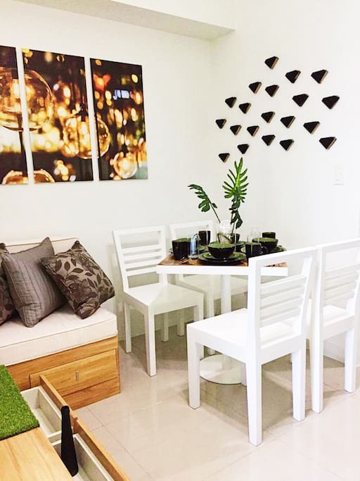 Dining/Lounge 1