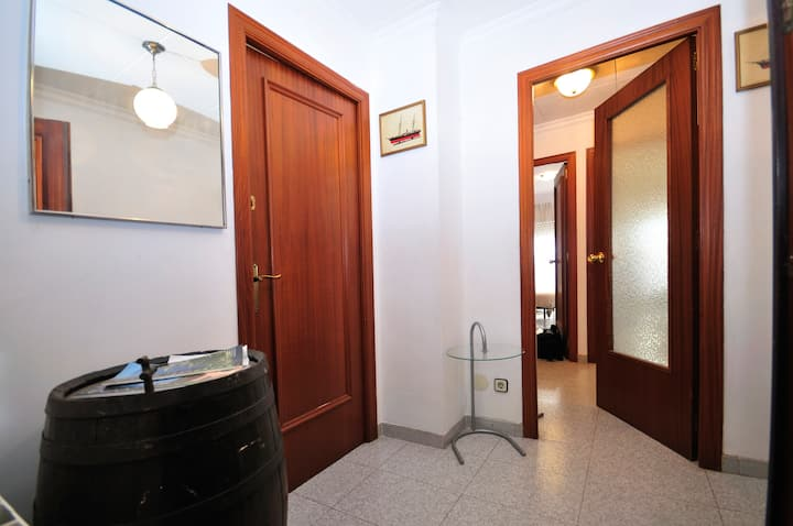 Cheap bedrooms in Blanes! (No kitchen!)