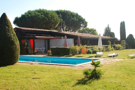 country  house + pool near Bordeaux - Villa