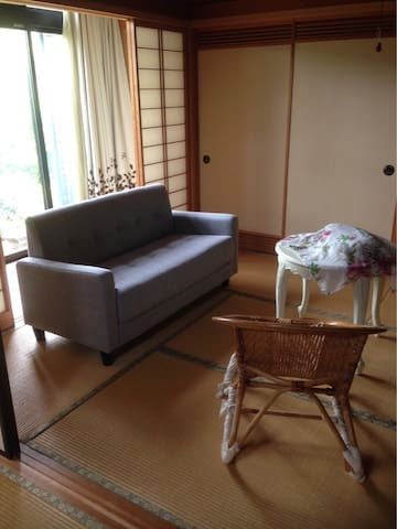 Comfy, lots of space! Simple Japanese house