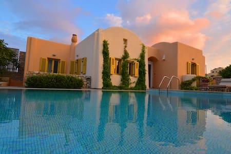 Beautiful Villa Ideal for Families Car Included - Vothonas - Villa