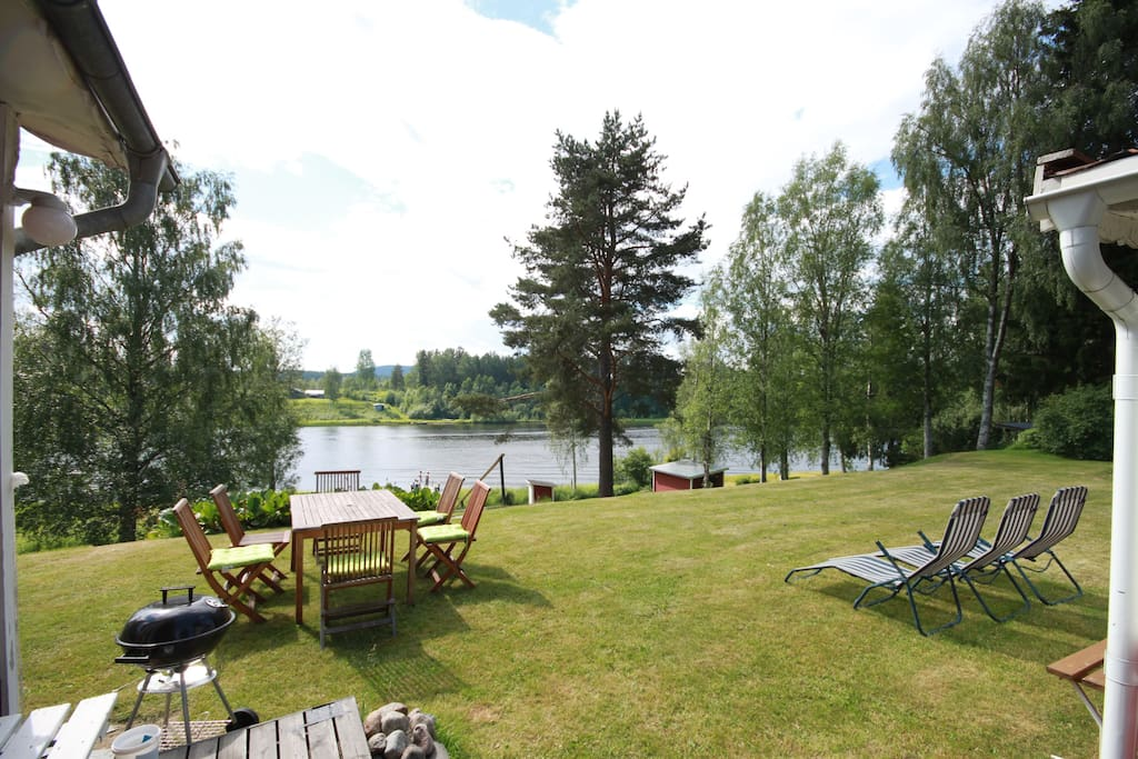BBQ area and the river only a few meters away!