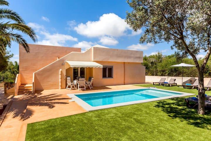 Family-friendly villa with roof terrace - Casa Antonio