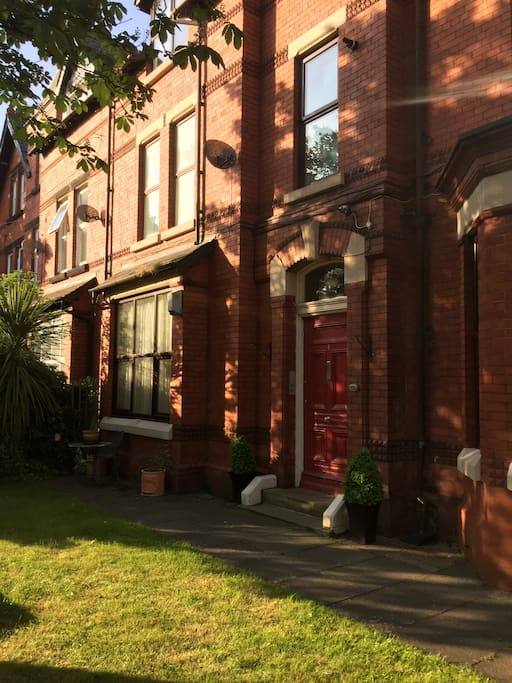 Prime location in South Liverpool (Mossleyhill)