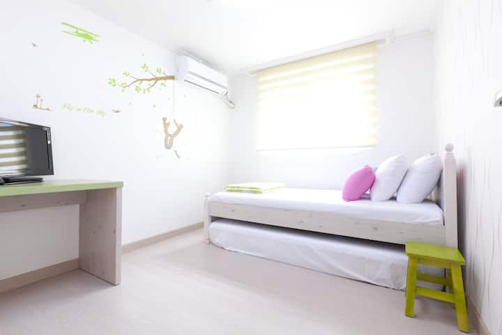 Hongdae Guest House Single Room  #1