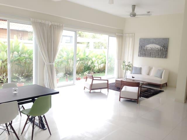 Beautiful home in Straits Quay ( E&O ) - Tanjung Bungah - House