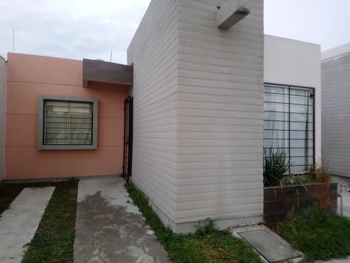 Casa entera en zona privada 3 recamaras