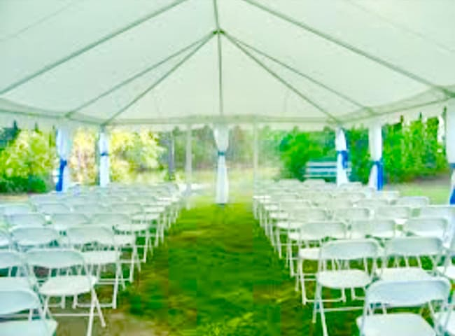 Party space & 40 by 20 ft TENT ! - Irvington - Άλλο