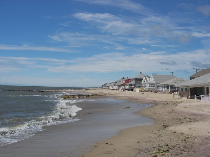 Old Lyme,  Waterfront private Sandy beach
