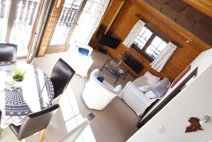 Open plan living room and kitchen with amazing balcony views over Chatel