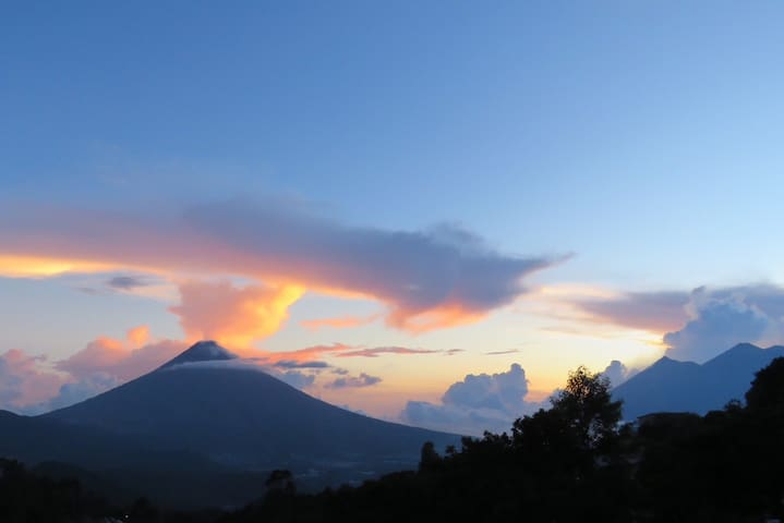Views of Antigua+3 Volcanos Romantic Room 1 of 2 - Antigua Guatemala - Bed & Breakfast