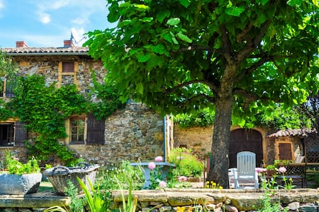 Unique house in the heart of Beaujolais region