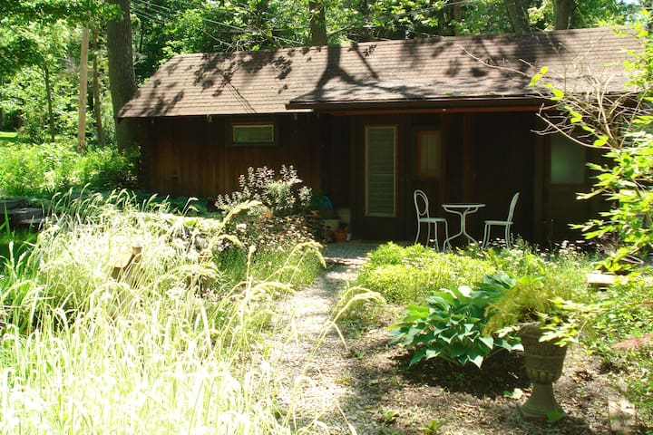 Log Cabin Pt. - Honeoye Lake, NY - Honeoye - Houten huisje