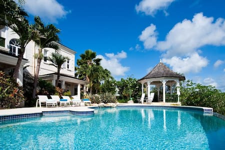 Great family home with private pool - Speightstown
