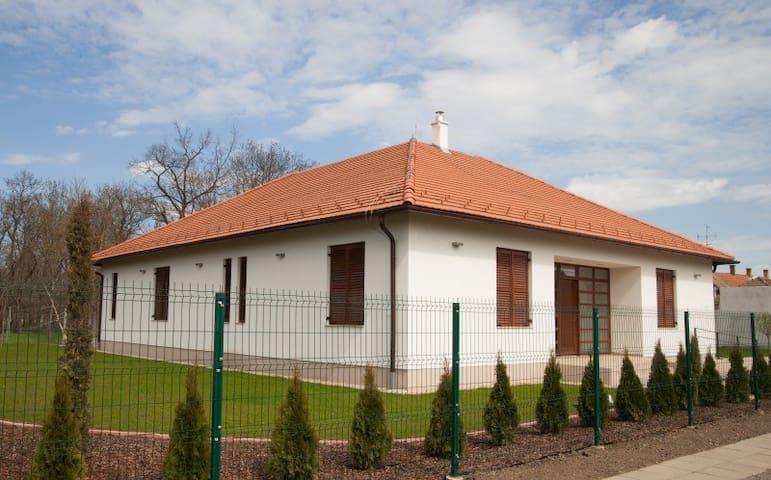 Zavartalan pihenés - Kakasszéki Vendégház