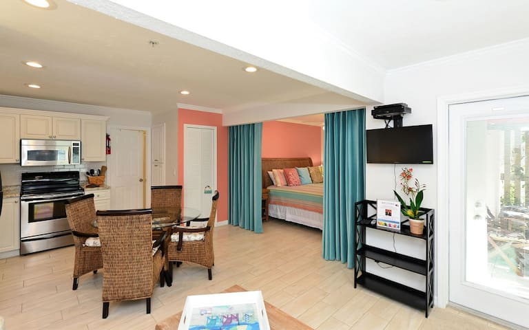 Siesta Key Beach - Hibiscus Suite -