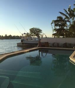 Cozy waterfront house 4 bedrooms - North Bay Village - House