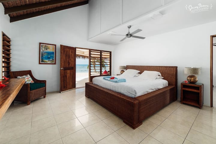 Waves at Surfside Large 3 Bedroom Villa