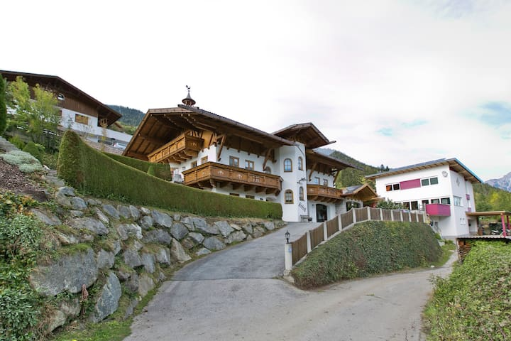 Spacious Apartment in Wenns near Ski Area