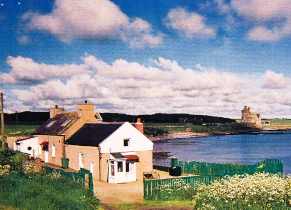 And what a location! Sea Otter before the annexe was totally re-built as Sea Shore Cottage