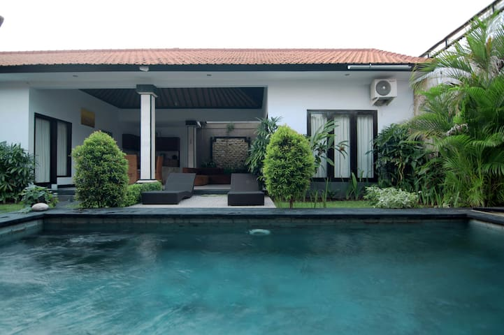 Two bedrooms villa in Sanur - Bali - Hus