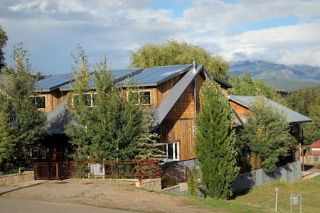 Uptown Downtown w/ Private Hot Tub - Pagosa Springs - Casa