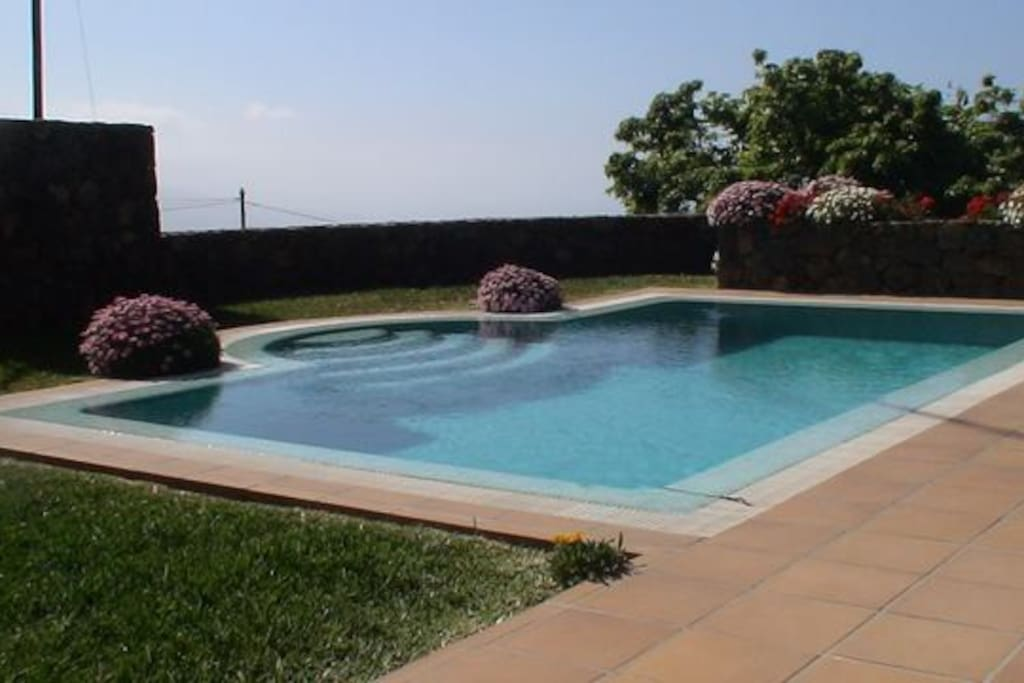 NEW VILLA WITH POOL