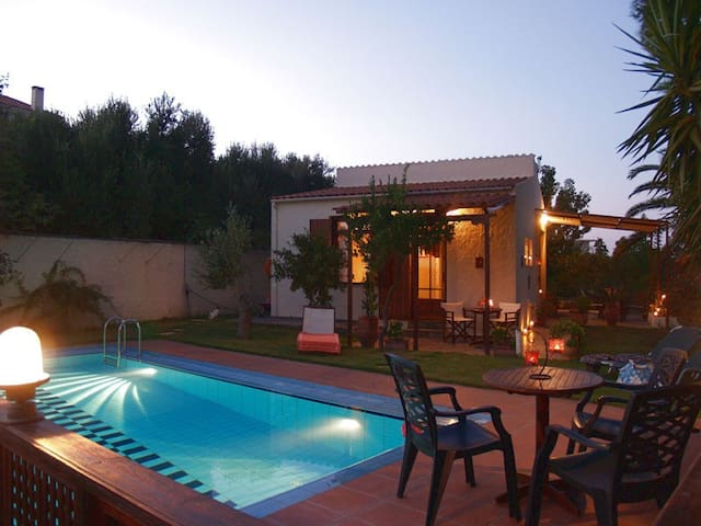 Yiannis Cottage with private pool - Spilia - Talo